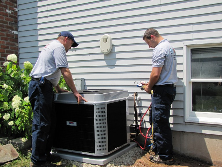 Why It's Advisable to Hire An Air Conditioning Repair Service?