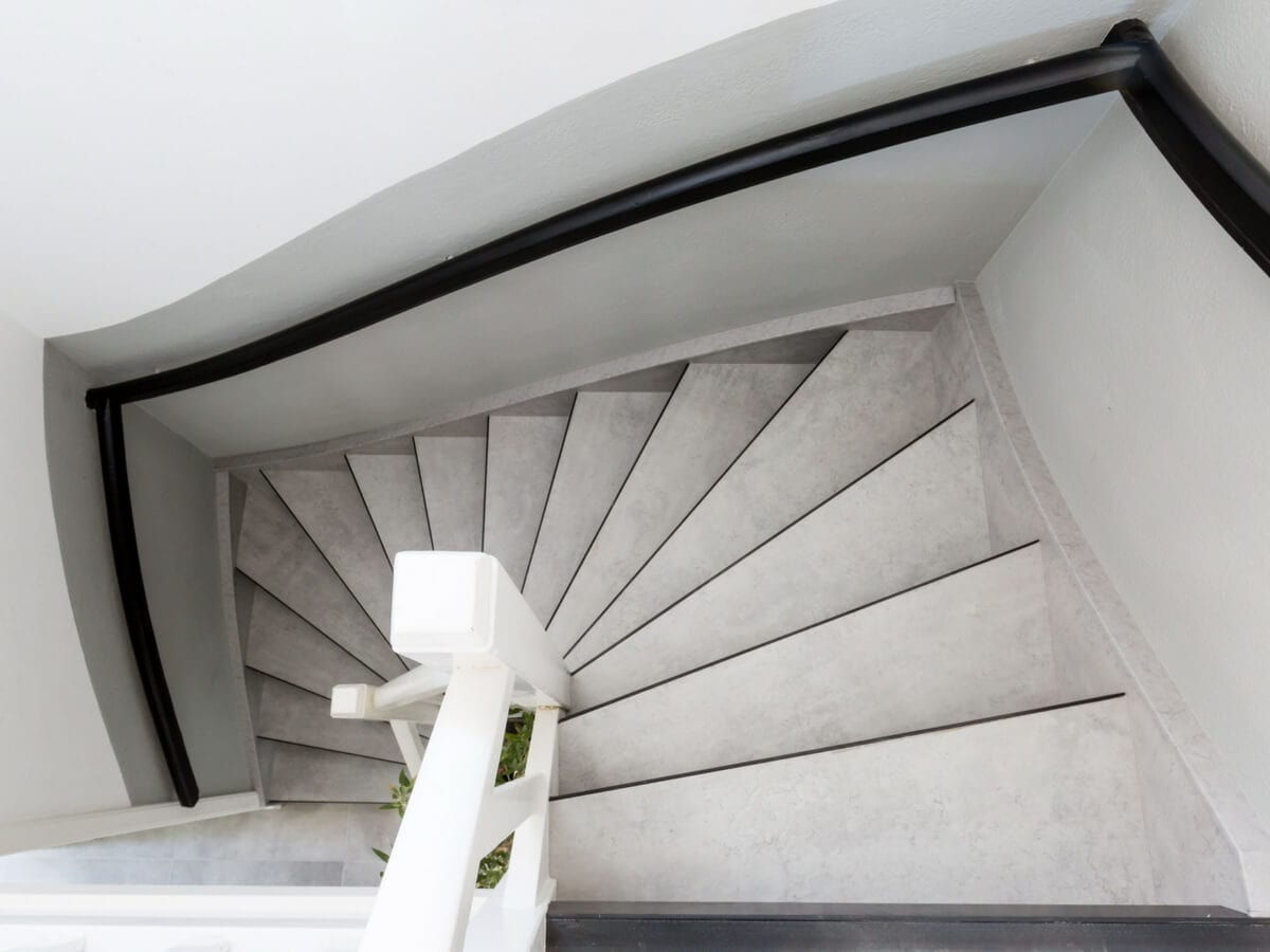 A Complete Guide About Staircase Materials