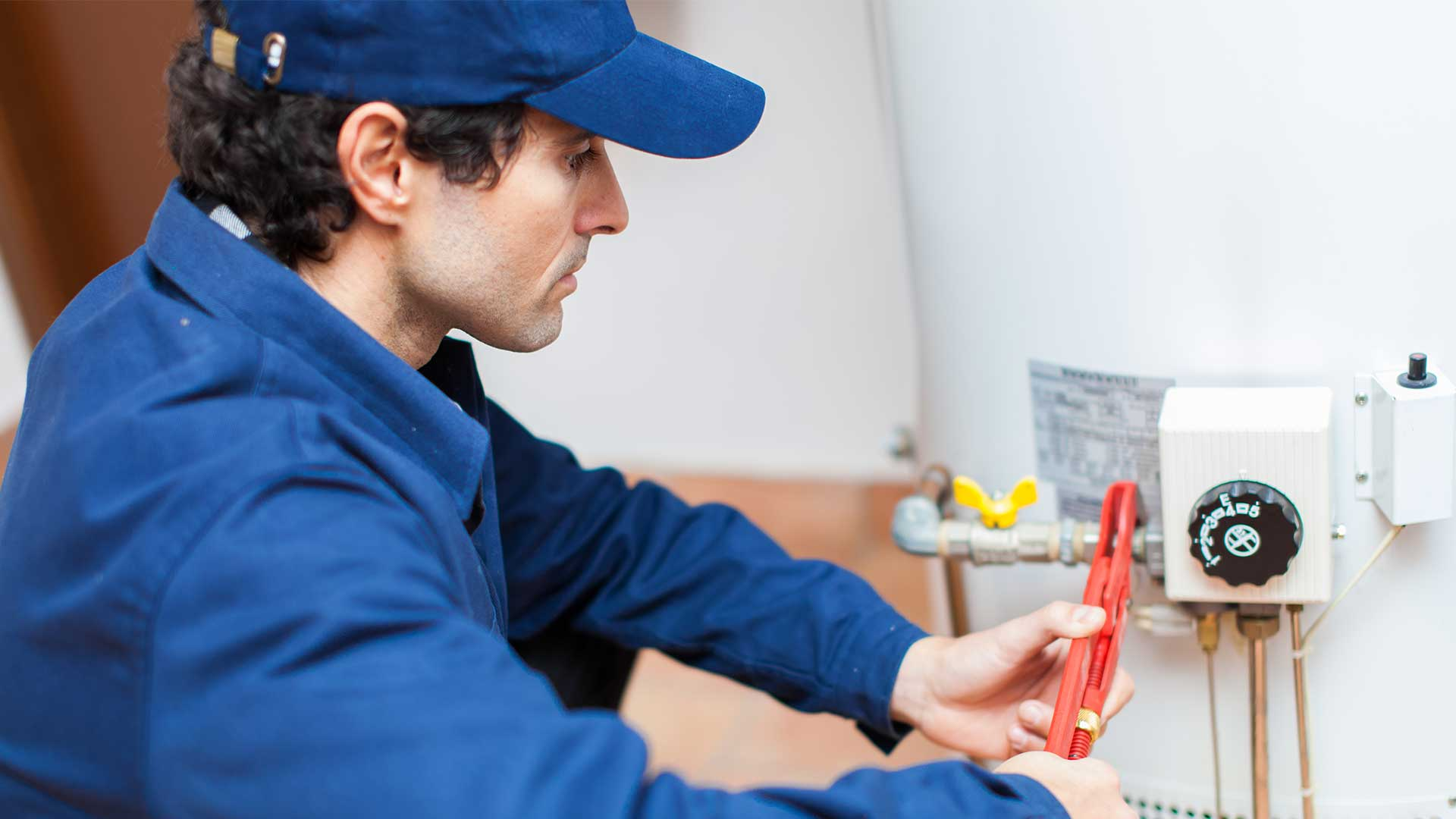 Reasons Why It Is Crucial To Hire A Plumber For Water Heater Replacement?