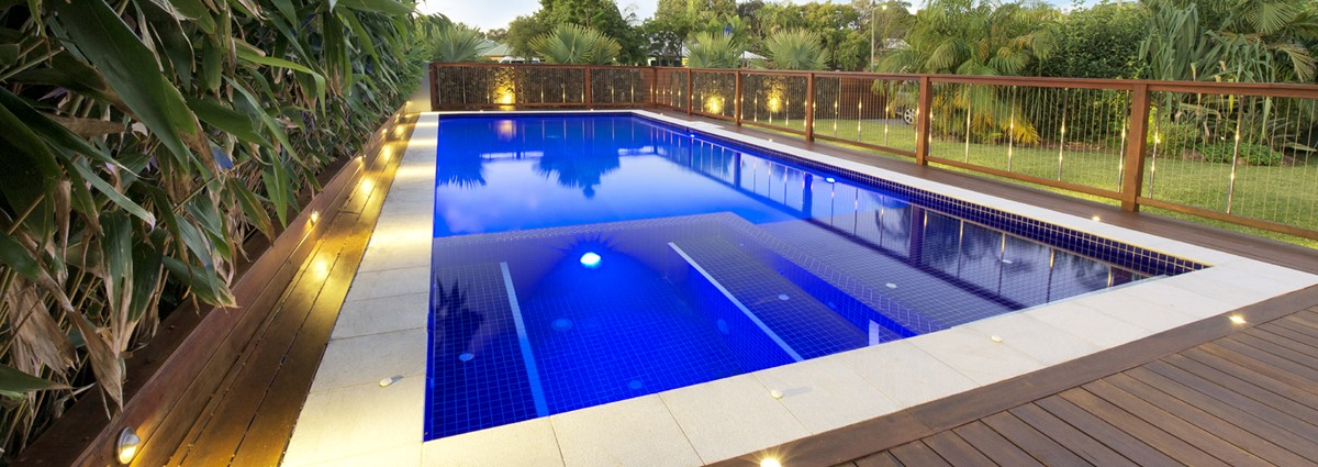 Choosing the Right Builders for the Pool Construction