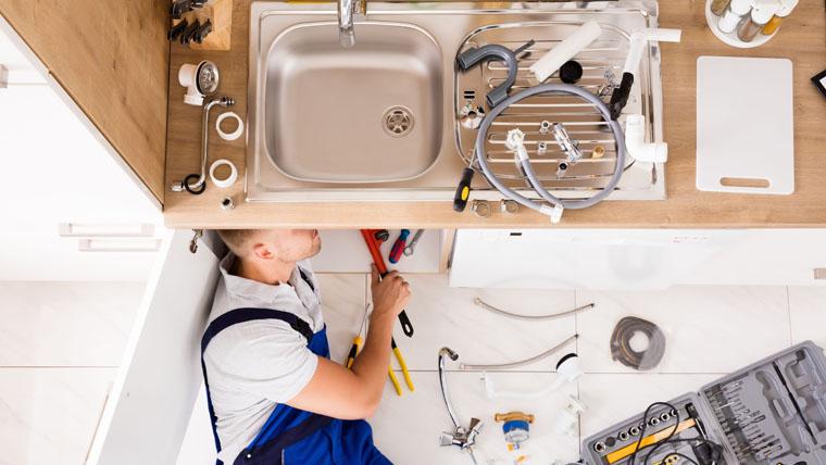 a kitchen plumber Long Beach