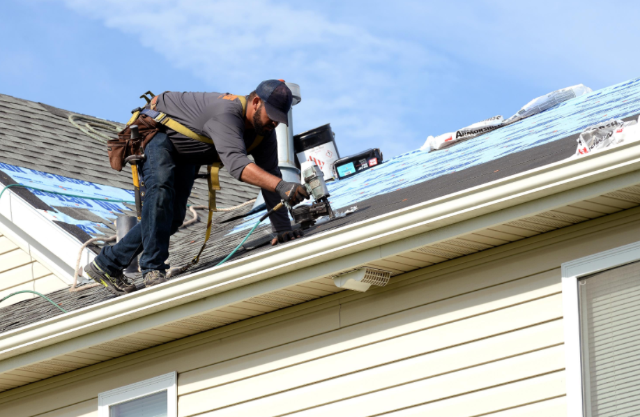Reasons To Call A Local Roofing Company