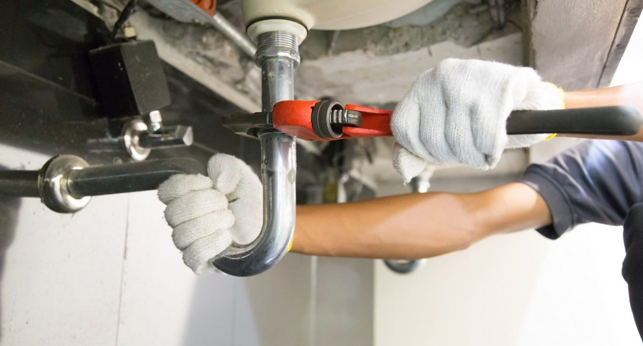 Why Do You Need To Hire An Emergency Plumber for Blocked Toilets?