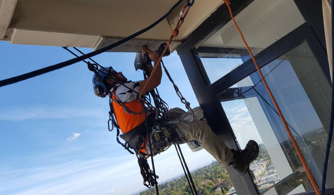 How Professionals Handle Industrial Rope Access Technology In Sydney?