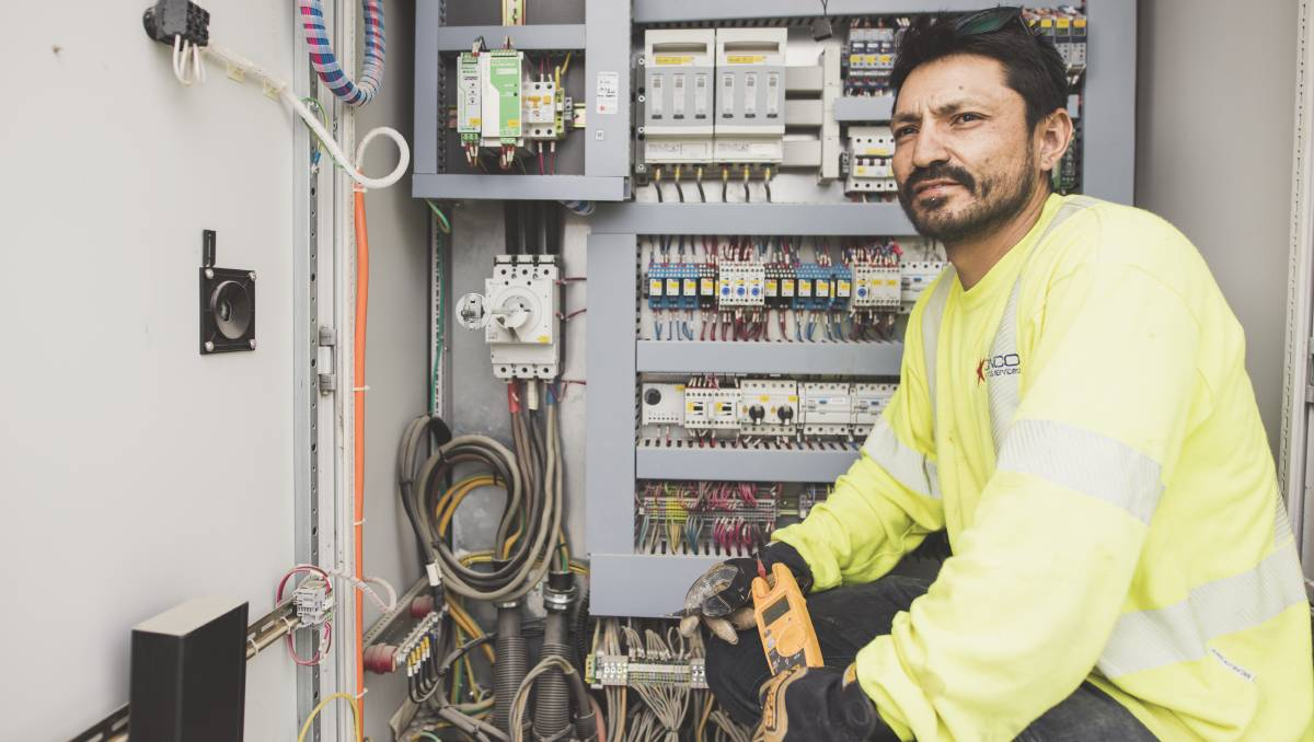 Key Factors to Look While Finding the Best Electricians in Canberra