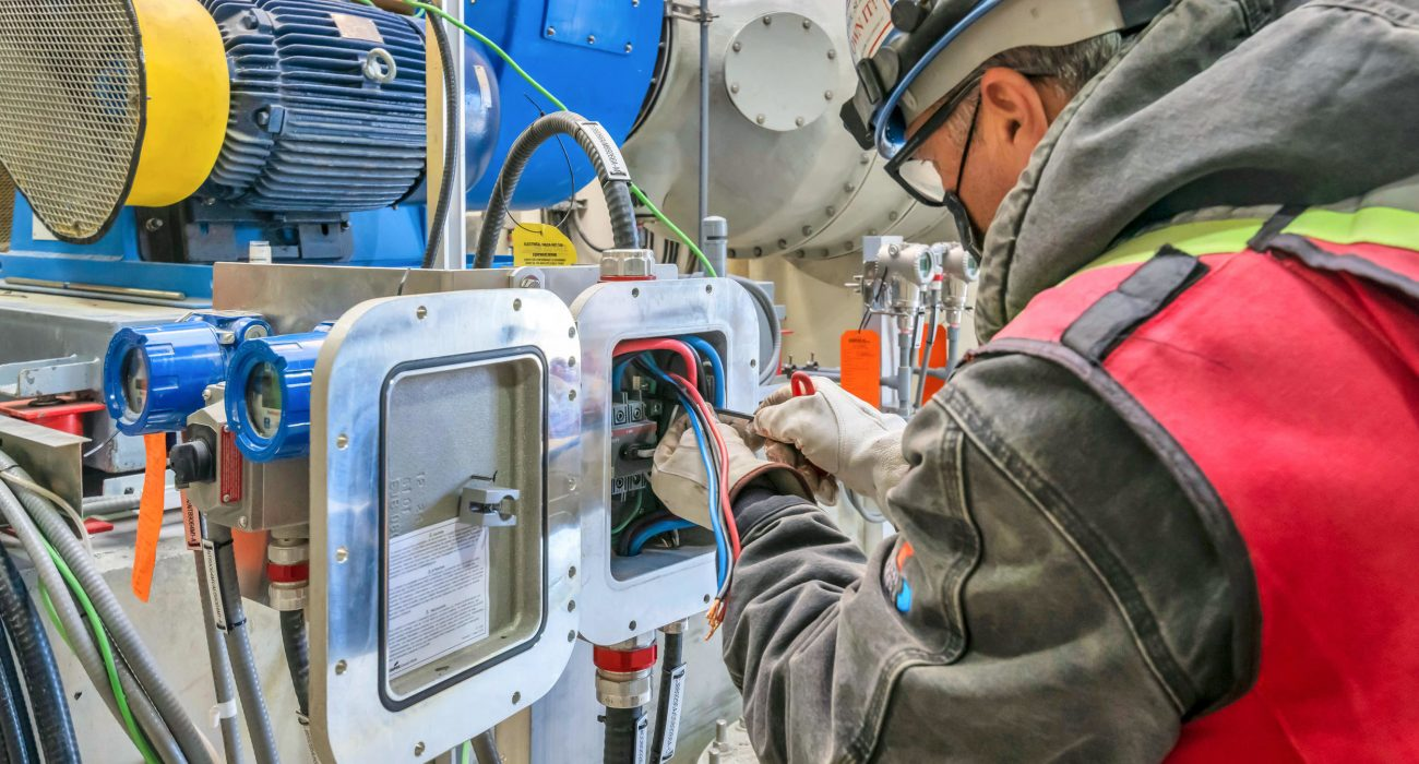 How To Select The Top-Notch Electrical Contractor